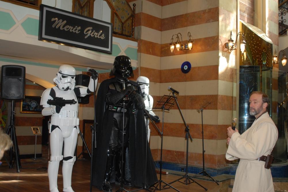 Star Wars karakterleri KKTC'ye gelip kumar oynadı galerisi resim 4