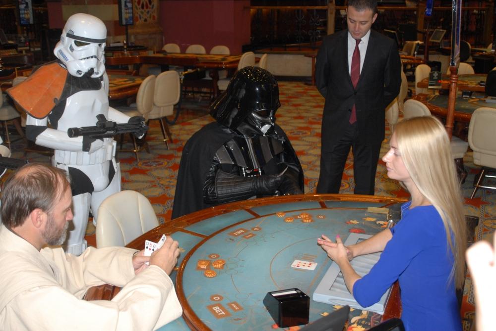 Star Wars karakterleri KKTC'ye gelip kumar oynadı galerisi resim 5