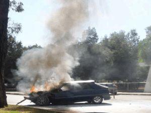İki farklı araç, iki farklı yerde yandı!