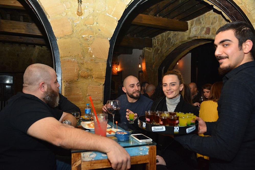Lefkoşa'ya yeni soluk; Barricade Lounge & Bar galerisi resim 58