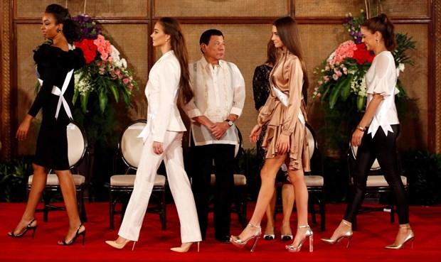 Kainat Güzeli adayları Filipinler sarayında! galerisi resim 9