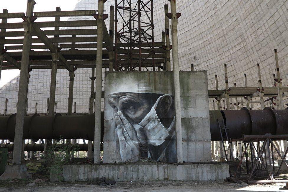 Siloları, binaları tuval yapan sanatçı galerisi resim 3
