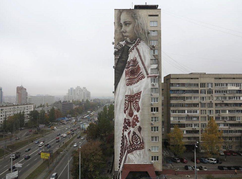 Siloları, binaları tuval yapan sanatçı galerisi resim 5