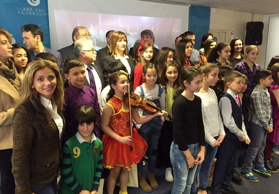 Londra  Türk Dili ve  Kültürü Okulları arasında ilk defa düzenlenen  Şii galerisi resim 11