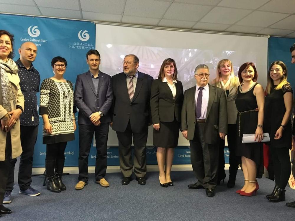 Londra  Türk Dili ve  Kültürü Okulları arasında ilk defa düzenlenen  Şii galerisi resim 3