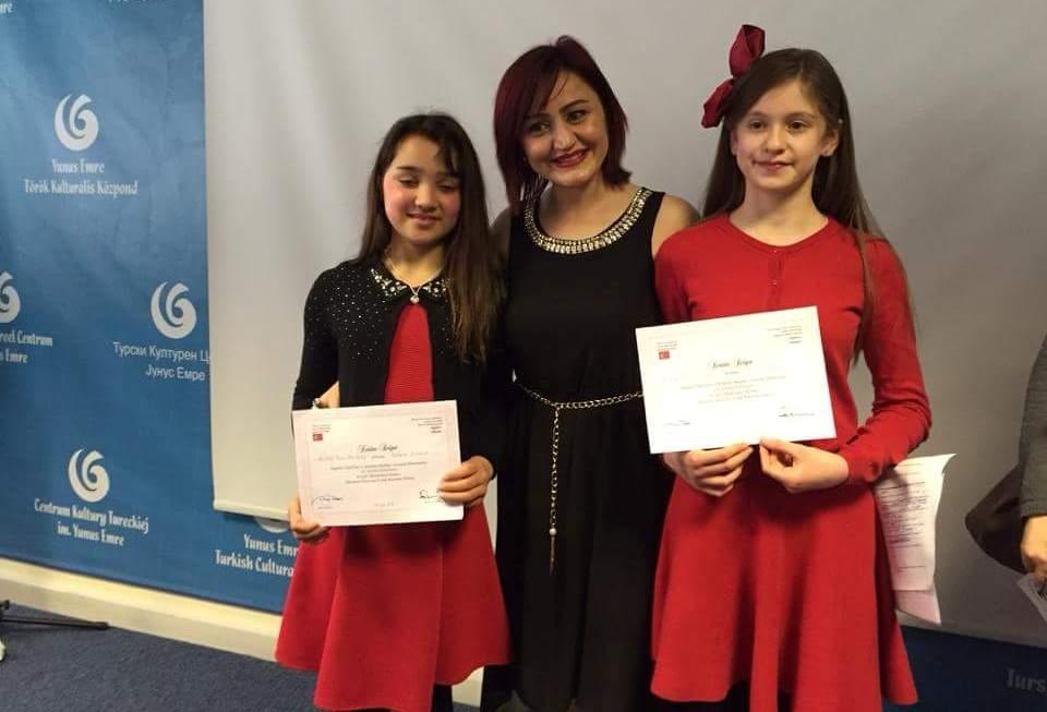 Londra  Türk Dili ve  Kültürü Okulları arasında ilk defa düzenlenen  Şii galerisi resim 4