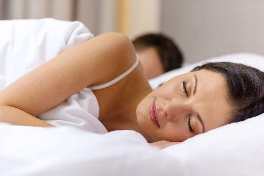 Uyku pozisyonlarına göre sağlıklı uyumanın püf noktaları galerisi resim 4