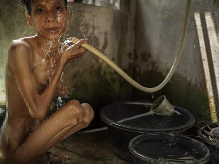 Endonezya'da insanlıktan utandıran görüntüler! galerisi resim 14