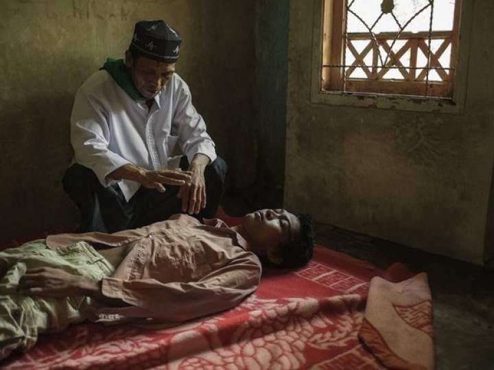 Endonezya'da insanlıktan utandıran görüntüler! galerisi resim 16