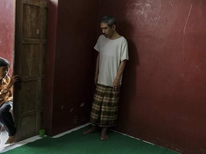 Endonezya'da insanlıktan utandıran görüntüler! galerisi resim 17