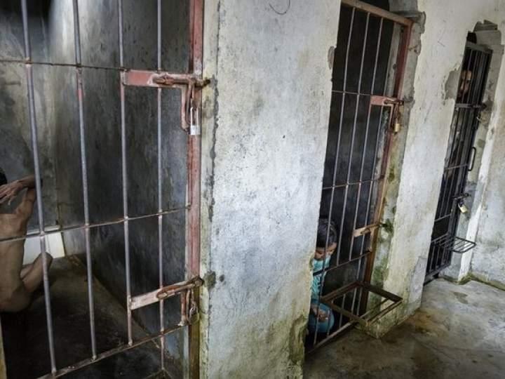 Endonezya'da insanlıktan utandıran görüntüler! galerisi resim 3