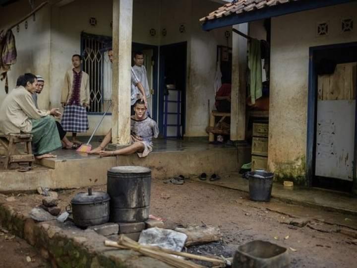 Endonezya'da insanlıktan utandıran görüntüler! galerisi resim 4