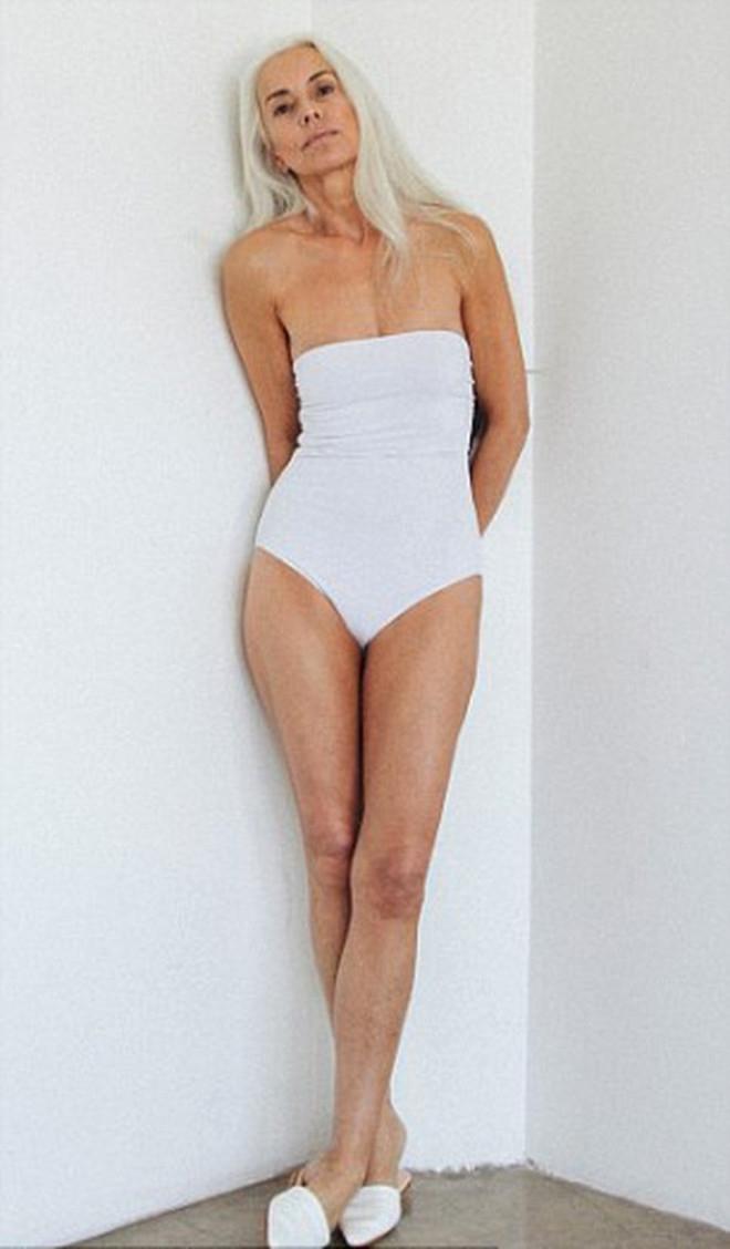 Görenlerin nefesini kesen 60 yaşındaki modelden 20 kare galerisi resim 18
