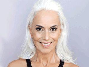 Görenlerin nefesini kesen 60 yaşındaki modelden 20 kare