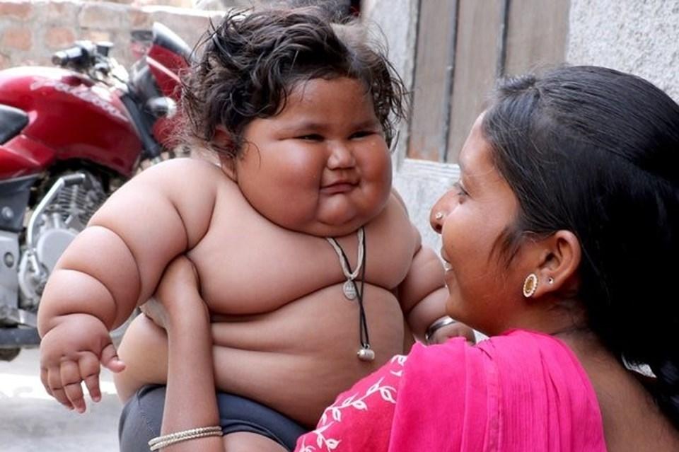 Görenler şaşırıyor, 8 aylık Chahat Kumar bebek 17 kilo! galerisi resim 4