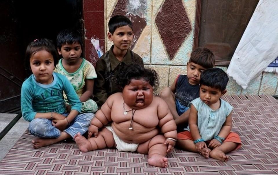 Görenler şaşırıyor, 8 aylık Chahat Kumar bebek 17 kilo! galerisi resim 5