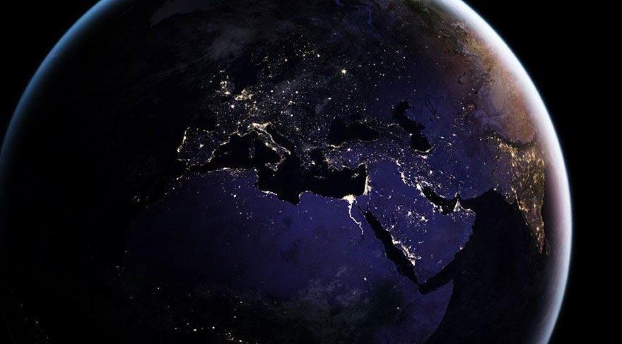 NASA, uzaydan Dünya'nın gece görüntülerini yayınladı galerisi resim 11