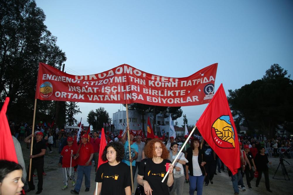 """Çetinkaya'da ortak 1 Mayıs: """"Hade iki toplumlu greve!"""" galerisi resim 6"""
