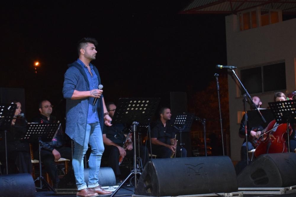 Müziğin yıldızları şarkılarını LTB Hayvan Barınağı için söyledi galerisi resim 6