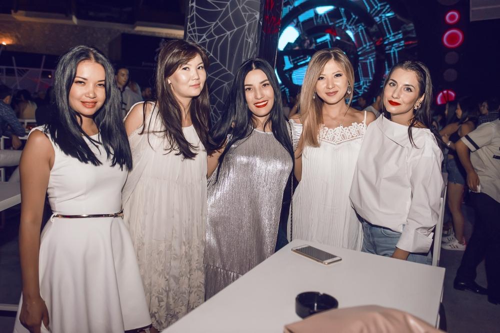 Odyssey Club Ümmet Özcan'a hazır galerisi resim 7
