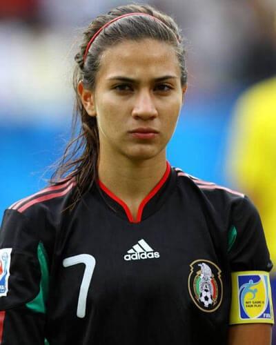 İşte dünyanın en seksi kadın futbolcuları galerisi resim 2