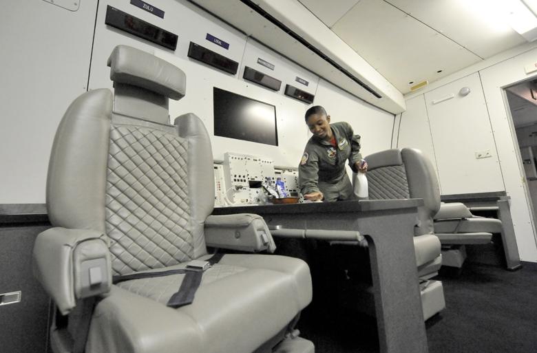 ABD 'kıyamet günü' uçağını havalandırdı! İşte özellikleri galerisi resim 23