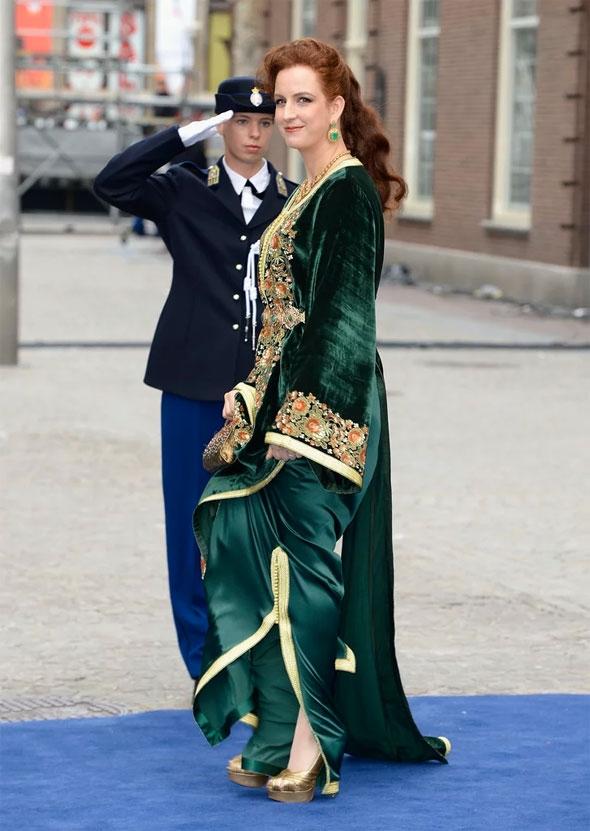 Tesettürsüz prenses saraydan kaçtı? Kral gay mi?.. galerisi resim 14
