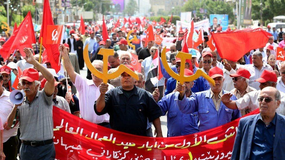 Fotoğraflarla: Dünyada işçiler 1 Mayıs'ı nasıl kutladı? galerisi resim 10