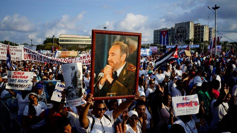 Fotoğraflarla: Dünyada işçiler 1 Mayıs'ı nasıl kutladı? galerisi resim 5