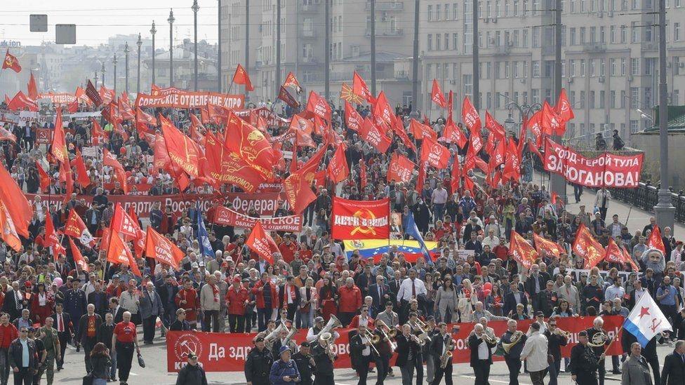 Fotoğraflarla: Dünyada işçiler 1 Mayıs'ı nasıl kutladı? galerisi resim 8