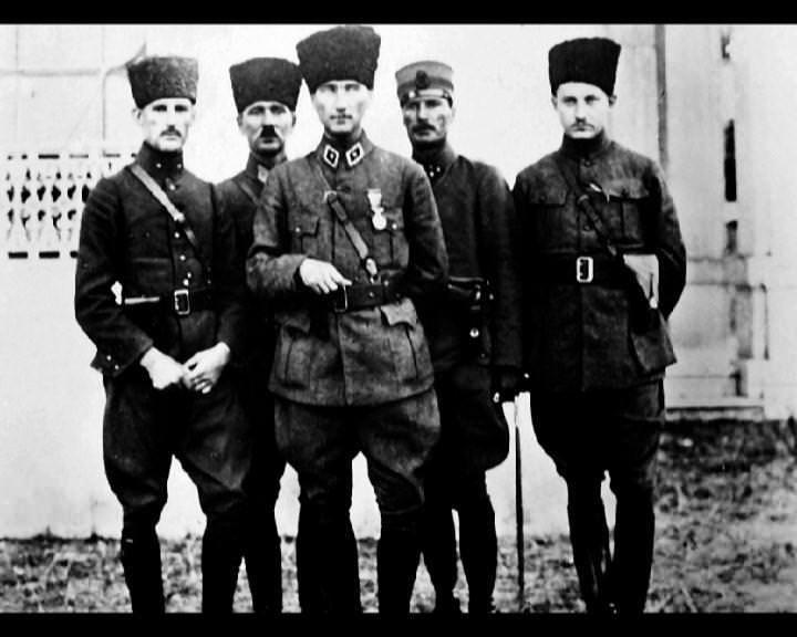 Atatürk'ün bu fotoğraflarını belkide hiç görmediniz galerisi resim 104