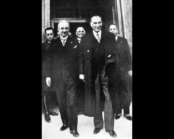 Atatürk'ün bu fotoğraflarını belkide hiç görmediniz... galerisi resim 107