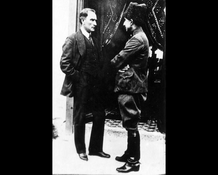 Atatürk'ün bu fotoğraflarını belkide hiç görmediniz galerisi resim 121