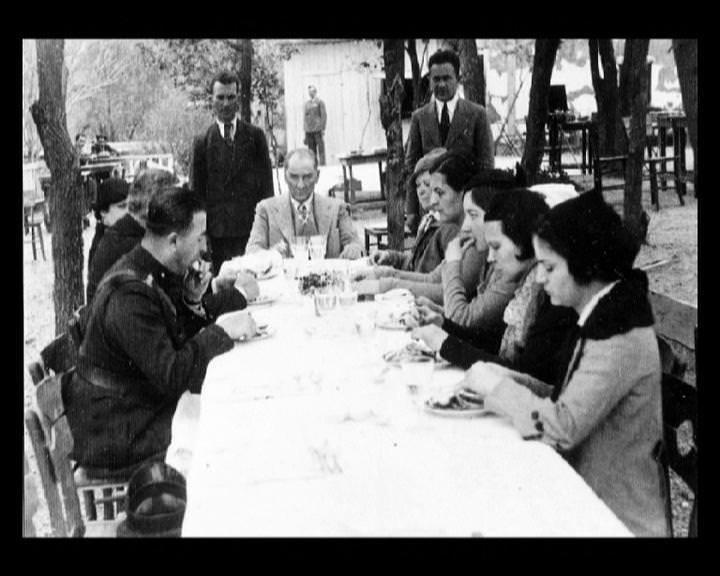 Atatürk'ün bu fotoğraflarını belkide hiç görmediniz galerisi resim 127