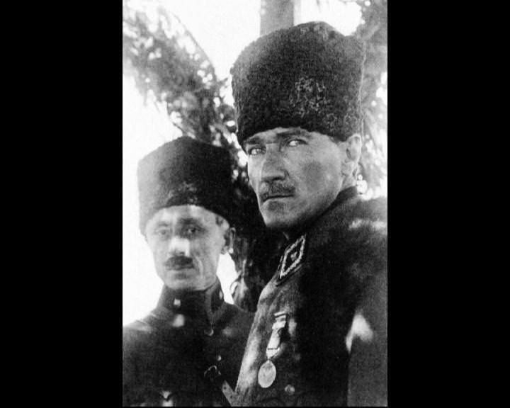 Atatürk'ün bu fotoğraflarını belkide hiç görmediniz galerisi resim 137