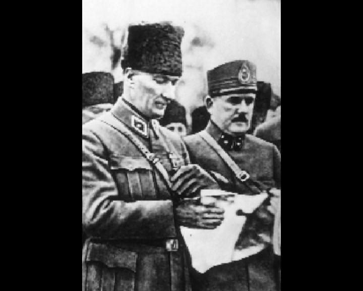 Atatürk'ün bu fotoğraflarını belkide hiç görmediniz galerisi resim 140