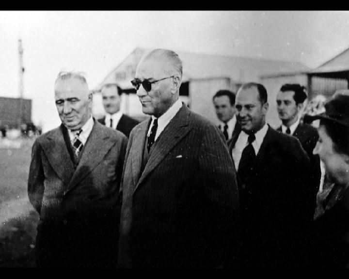 Atatürk'ün bu fotoğraflarını belkide hiç görmediniz galerisi resim 143