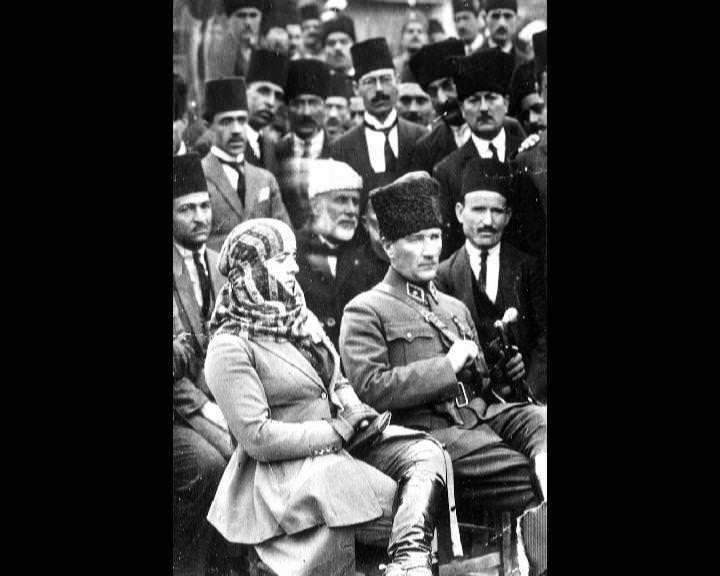 Atatürk'ün bu fotoğraflarını belkide hiç görmediniz... galerisi resim 154