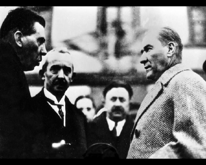 Atatürk'ün bu fotoğraflarını belkide hiç görmediniz galerisi resim 157