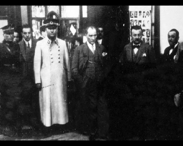 Atatürk'ün bu fotoğraflarını belkide hiç görmediniz galerisi resim 166