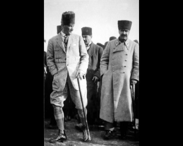 Atatürk'ün bu fotoğraflarını belkide hiç görmediniz... galerisi resim 173
