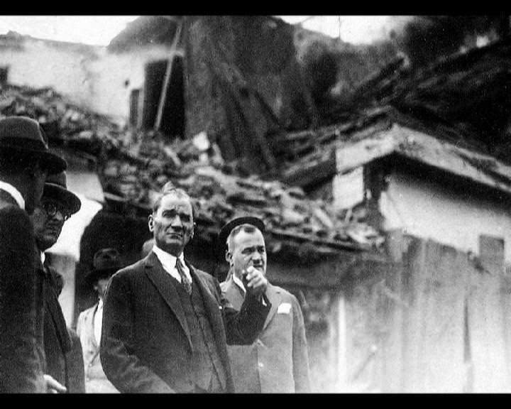 Atatürk'ün bu fotoğraflarını belkide hiç görmediniz galerisi resim 175