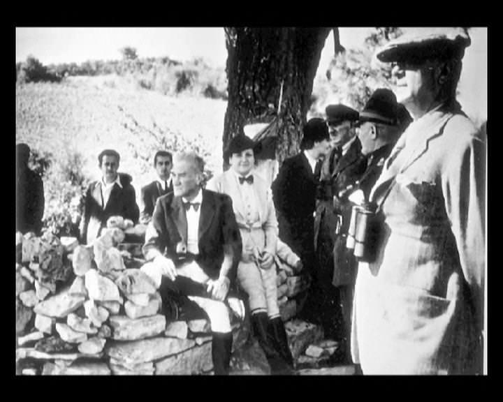 Atatürk'ün bu fotoğraflarını belkide hiç görmediniz galerisi resim 177