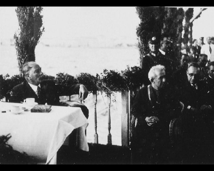 Atatürk'ün bu fotoğraflarını belkide hiç görmediniz galerisi resim 178