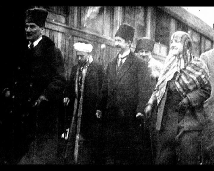 Atatürk'ün bu fotoğraflarını belkide hiç görmediniz galerisi resim 179