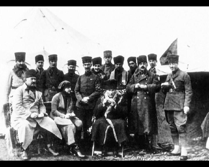 Atatürk'ün bu fotoğraflarını belkide hiç görmediniz galerisi resim 180
