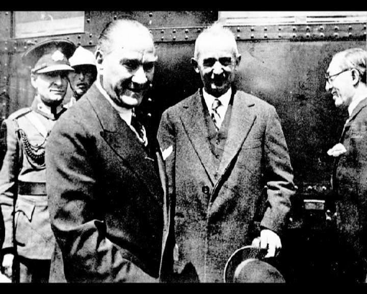 Atatürk'ün bu fotoğraflarını belkide hiç görmediniz galerisi resim 186