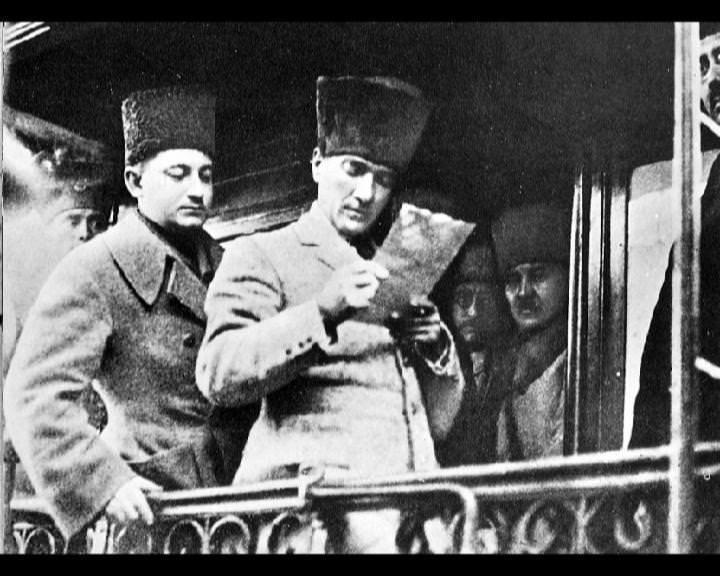 Atatürk'ün bu fotoğraflarını belkide hiç görmediniz galerisi resim 191