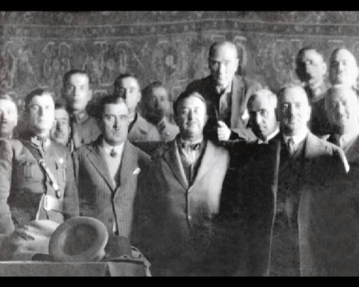 Atatürk'ün bu fotoğraflarını belkide hiç görmediniz... galerisi resim 192