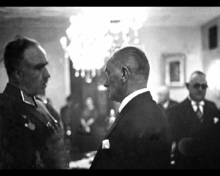 Atatürk'ün bu fotoğraflarını belkide hiç görmediniz galerisi resim 193